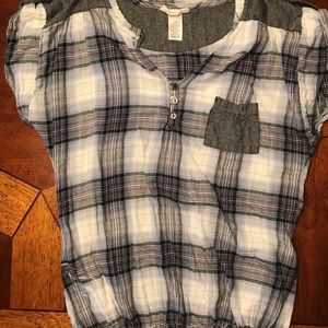 Tops - Plaid blouse with front pocket